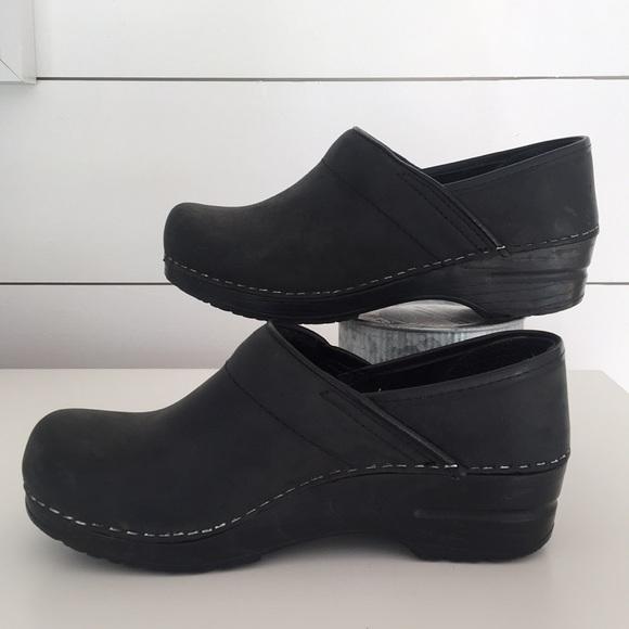 Sanita Shoes   Sanita Matte Black Clogs